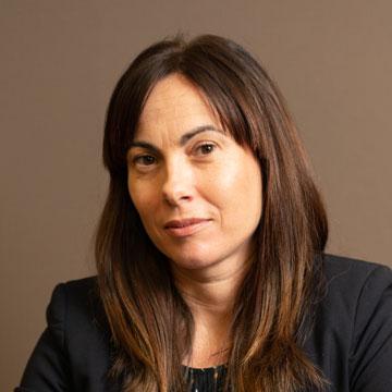 María <br> Álvarez Pérez